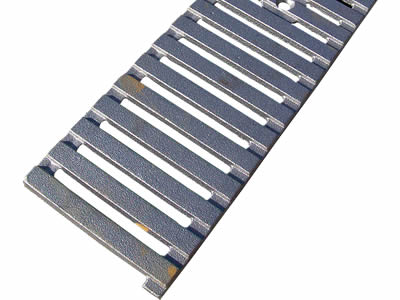 A rectangle cast iron grating which has one row drainage holes and install hole.